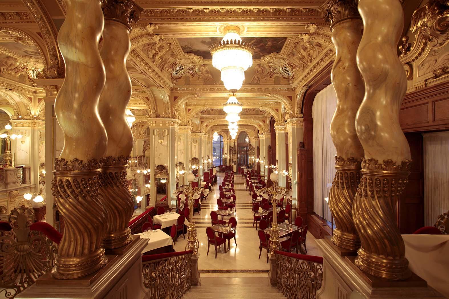 boscolo hotel Budapest.jpg main building
